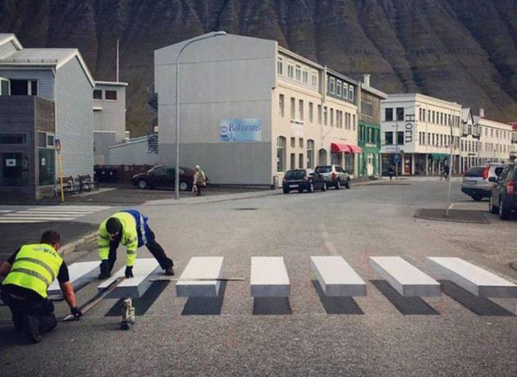 Paso de cebra ilusión óptica