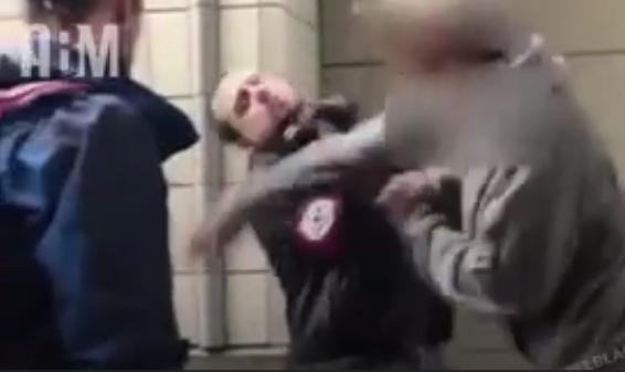 nazi golpeado