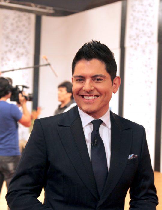 Ernesto Laguardia sonríe
