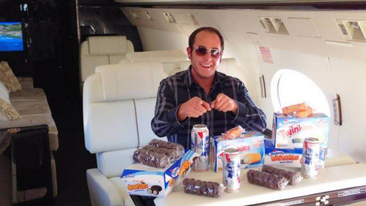 Daren Metropoulos twinkies avion