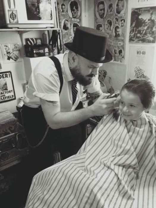 fotos niño autismo cortar cabello 4