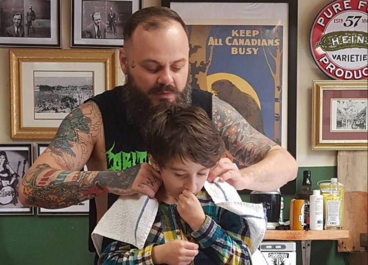 fotos niño autismo cortar cabello