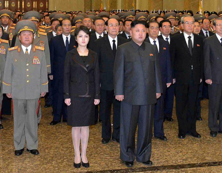Kim Jong-un y su esposa
