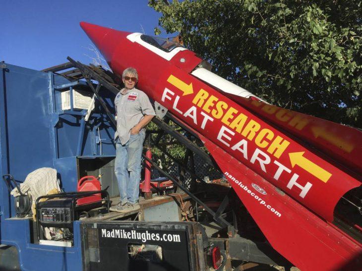 tierra es plana cohete