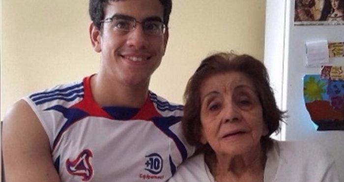 Se casó con su propia abuela y ahora pide pensión