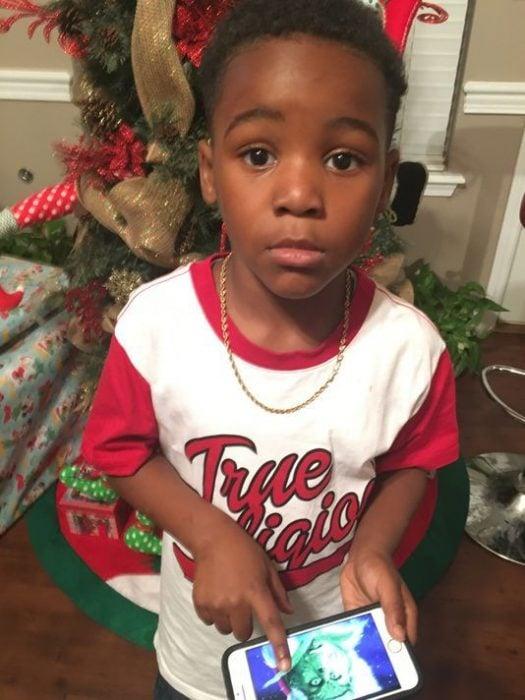Niño habló al 911 Grinch