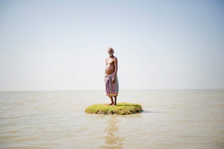 Hombre en isla