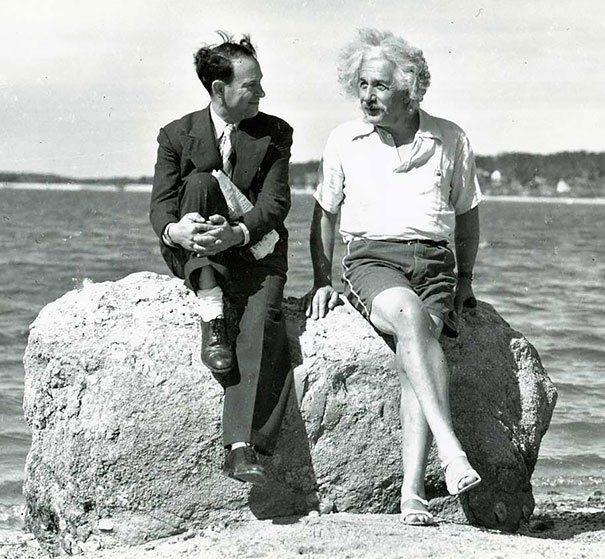 Albert Einstein Summer 1939 Nassau Point Long Island Ny La verdad detrás de estas 16 alucinantes fotografías tomadas hace más de un siglo; ¡¡¡#Eistein de vacaciones!!!