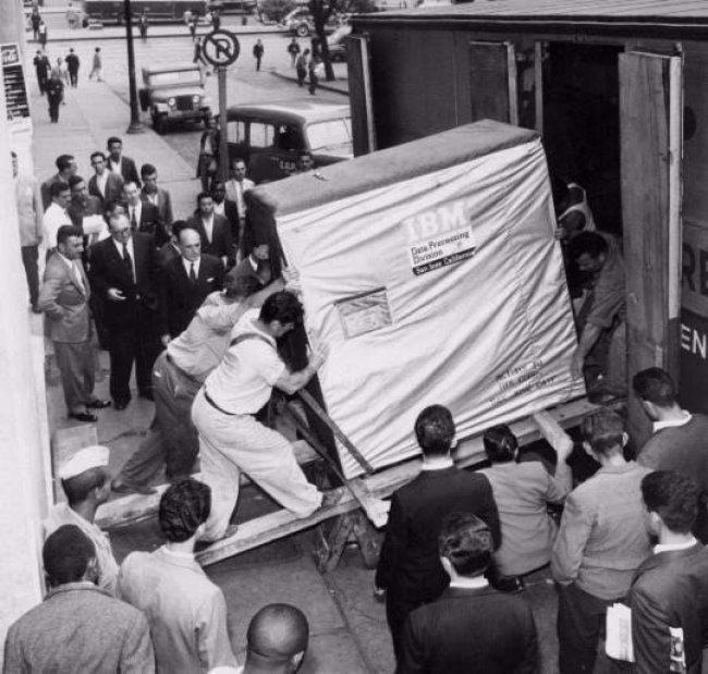 IBM 1 La verdad detrás de estas 16 alucinantes fotografías tomadas hace más de un siglo; ¡¡¡#Eistein de vacaciones!!!