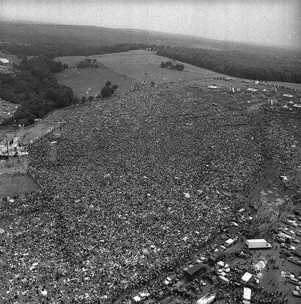 Massive Crowds Gather For The First Woodstock 1969 La verdad detrás de estas 16 alucinantes fotografías tomadas hace más de un siglo; ¡¡¡#Eistein de vacaciones!!!