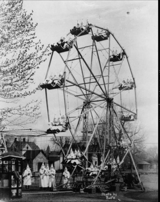 lblP81i 554x700 La verdad detrás de estas 16 alucinantes fotografías tomadas hace más de un siglo; ¡¡¡#Eistein de vacaciones!!!