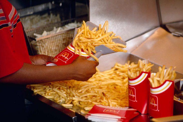 10 mcdonalds fries 1990.w710.h473.2x 730x486 Las papitas de McDonald's podrían ser la cura contra tu calvicie; y la razón es muy extraña