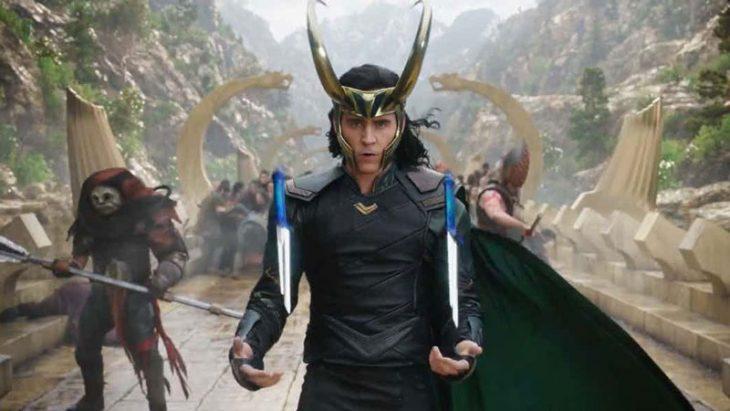 Loki con cuchillos