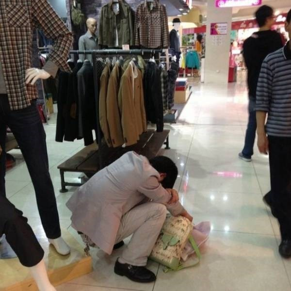 men shopping with his woman