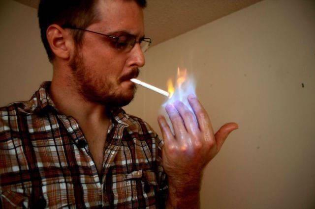 mano fuego