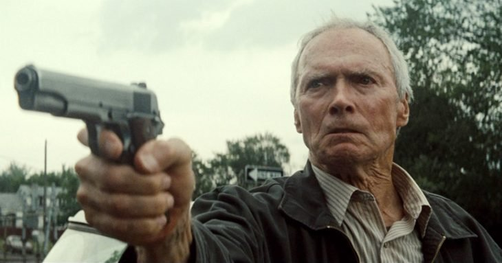 Clint Eastwood con pistola