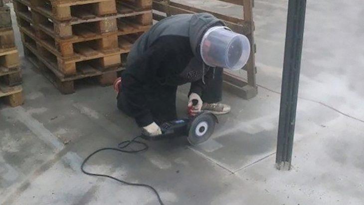 Cubeta en lugar de casco
