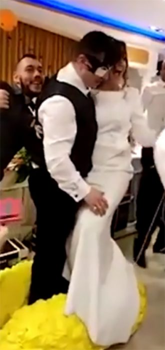Novios se casan como Gokú y Milk