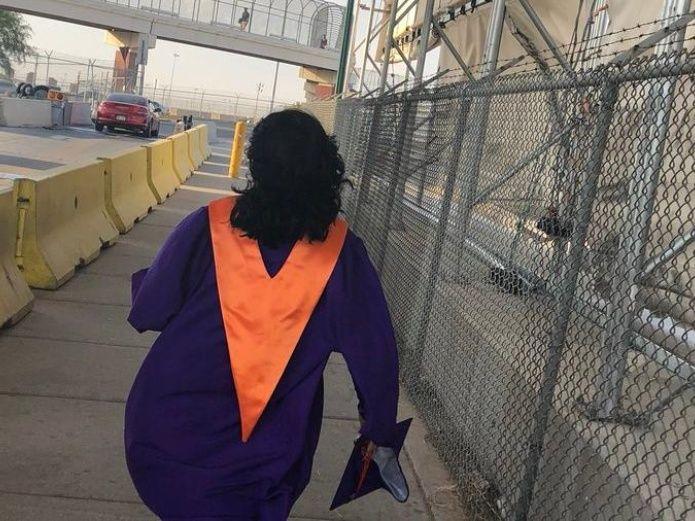 Mujer en la frontera