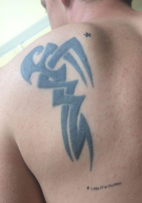 tatuaje tribal feo