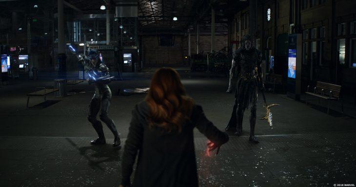 bruja escarlata en pelea