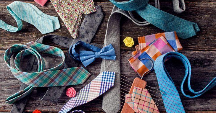 corbatas, moños y accesorios de colores