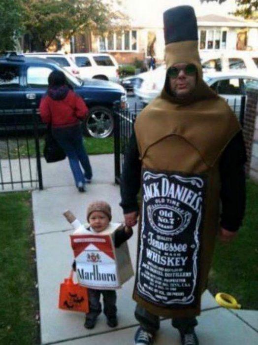 Disfraz padre-hijo whisky