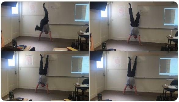 Profesores más divertidos parado de manos