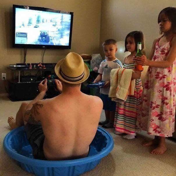 Padre al cuidado de los hijos