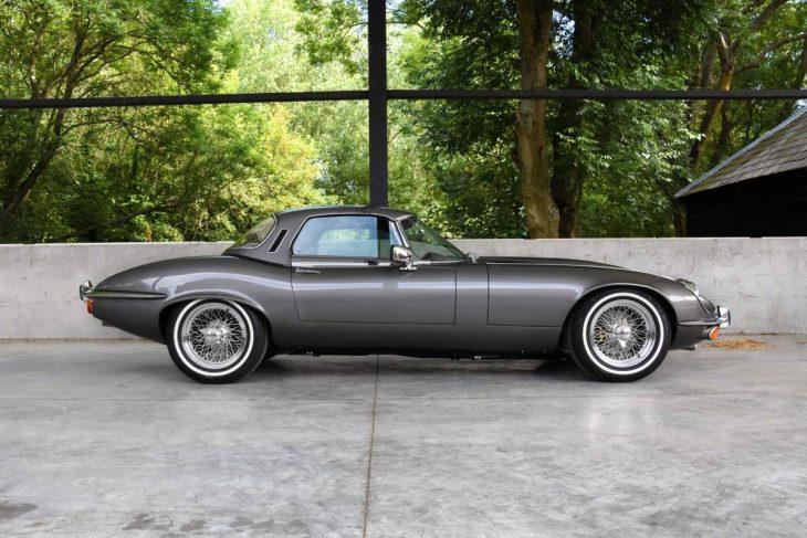 Jaguar E-Type V12 lateral