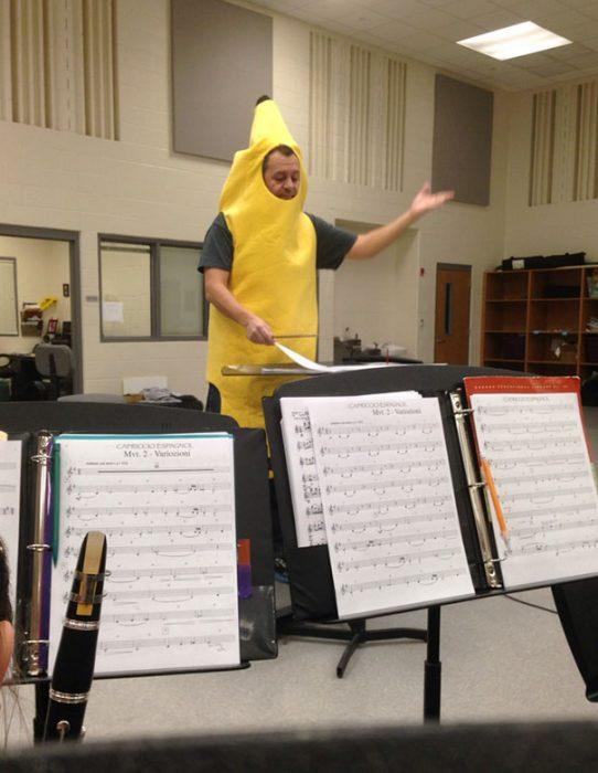 pagando apuestas banana