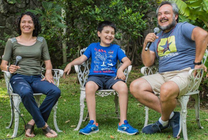 Carlos Santamaría y familia