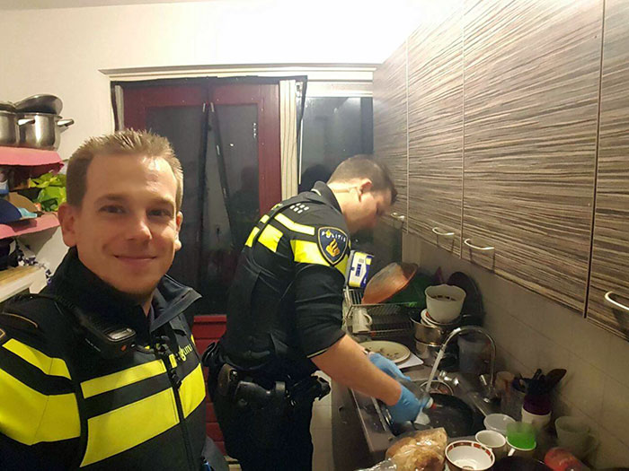 policías cena