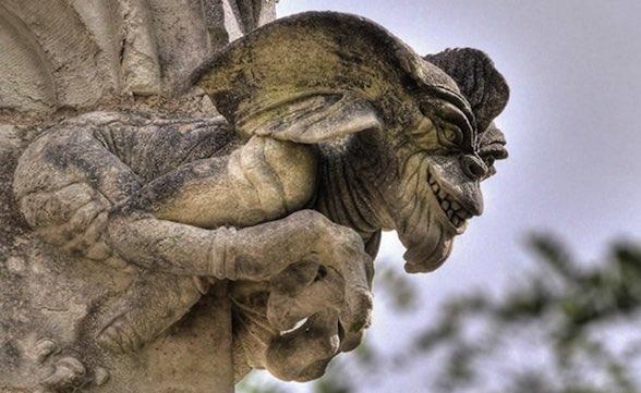 escultura gremling