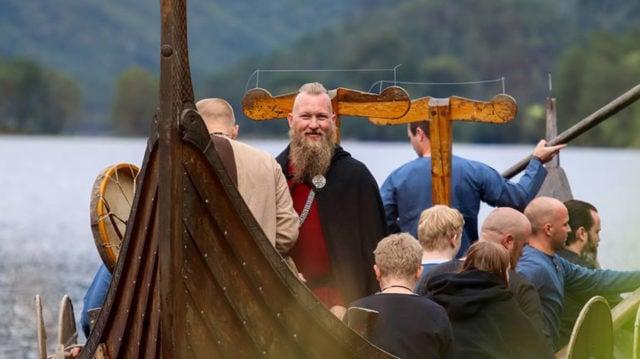 Rune en boda vikinga