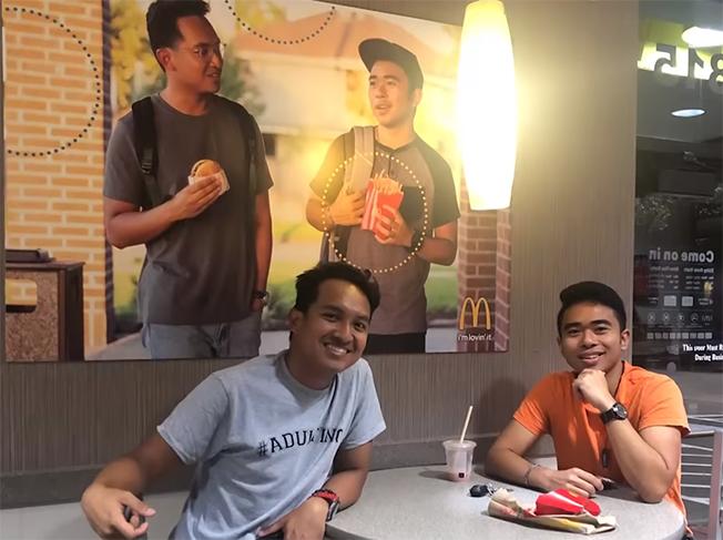 Amigos en McDonald's