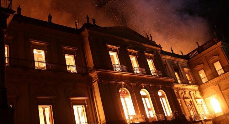 Museo Nacional de Brasil en llamas