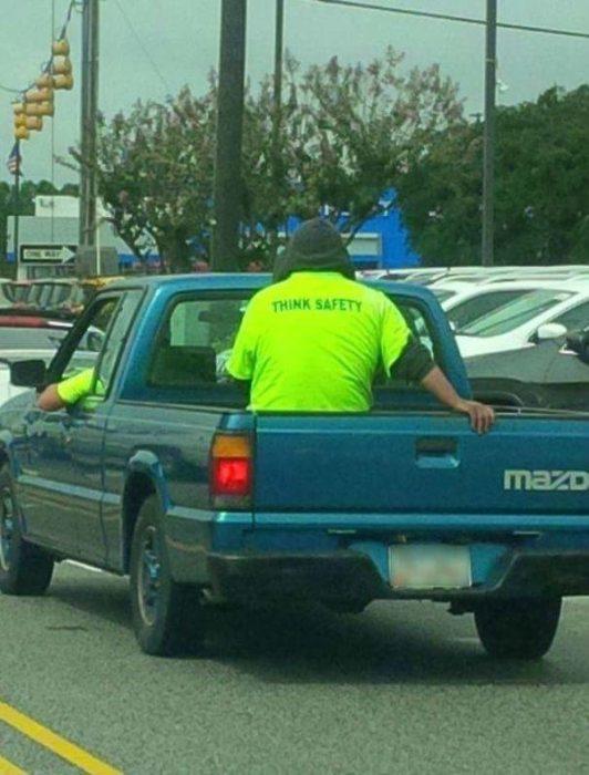 Personas tontas seguridad