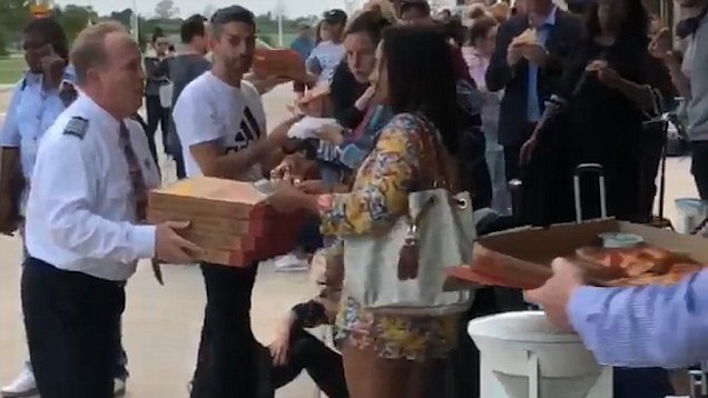piloto pide pizza