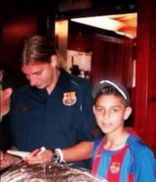 un dia un niño te pide un autógrafo