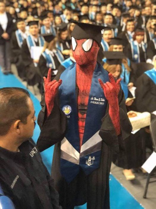 graduación spiderman