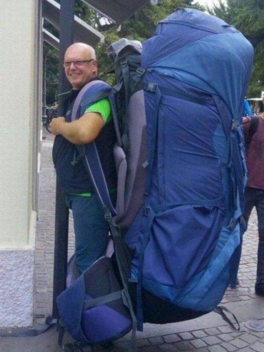 Objetos gigantes mochila