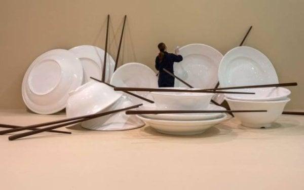 Objetos gigantes platos