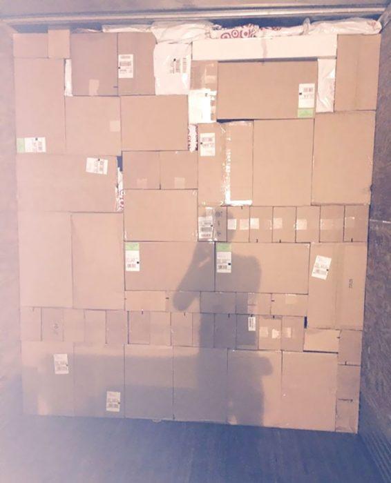 cosas que caben en otras cajas apiladas