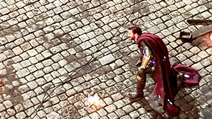 Jake Gyllenhaal como Mysterio escena
