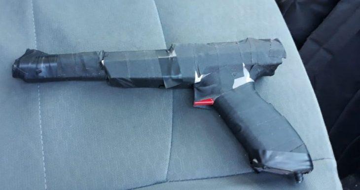 pistola falsa zapper