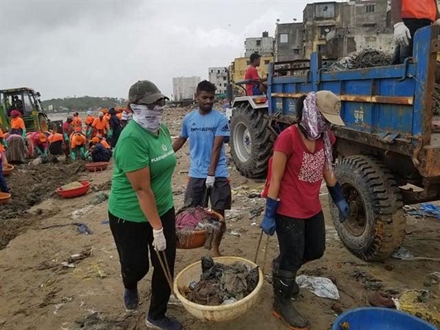 Limpieza de la playa de Versova
