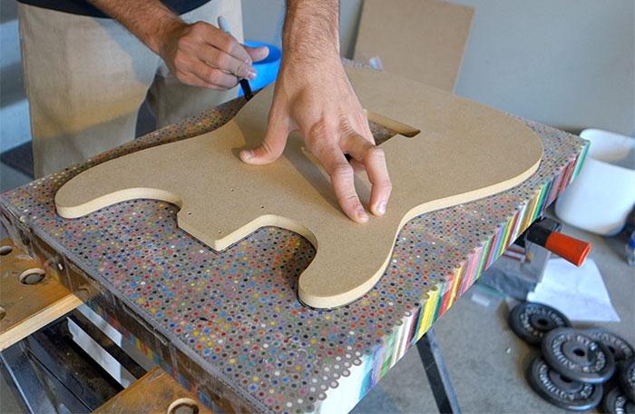 guitarra de 1200 colores