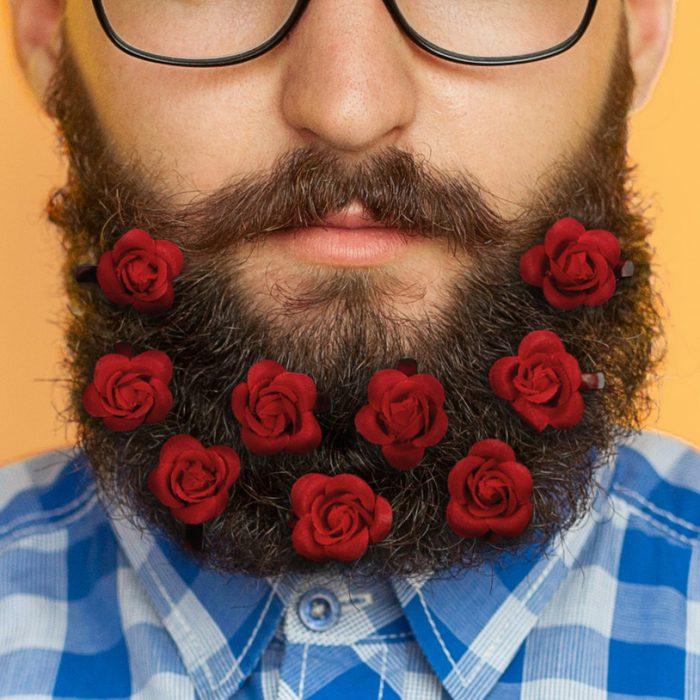 Flores en la barba