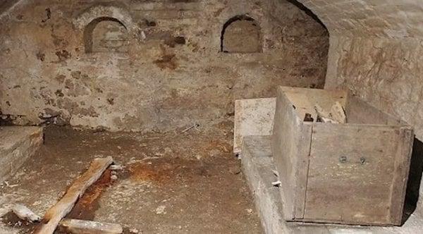 Cosas siniestras en casas viejas iglesia